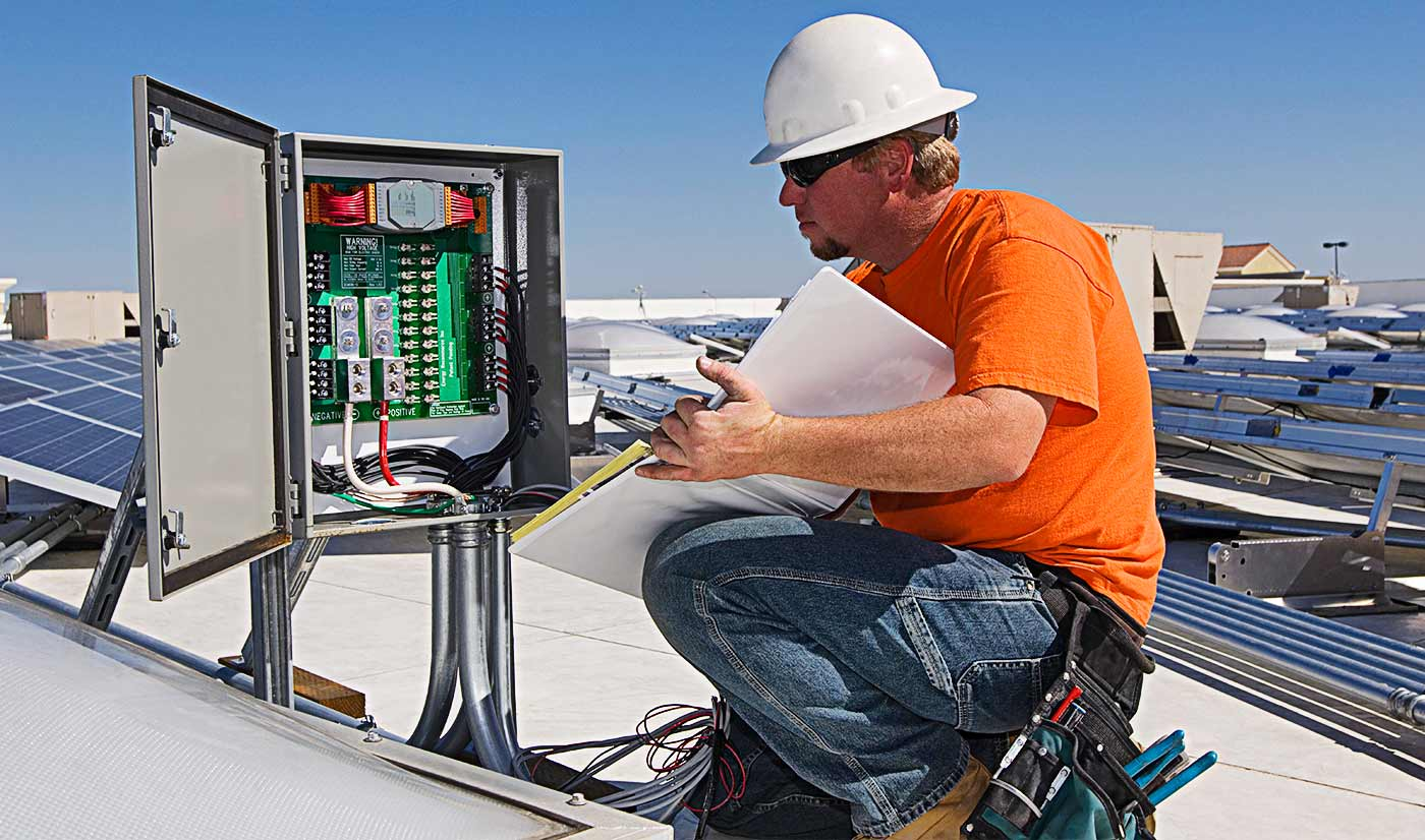 Licensed Electrician Servicing Commercial Building